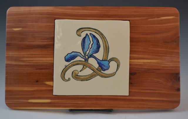 iris-tile-serving-board